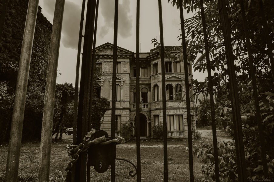 Haunted House | Original flash fiction by Kieran Higgins